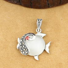 цены 925 Sterling Silver Jewelry Retro Thai Silver Men And Women Marcasite Inlaid White Opal Small Fish Pendant Chain Pendant