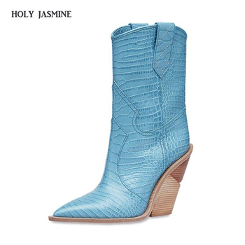 2020 Winter Fashion Embossed Microfiber Leather Women Pointed Toe Western Cowboy Boots Mid-calf Chunky Wedges Runway