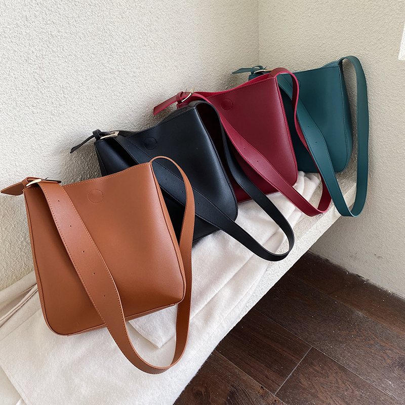 Casual Large Capacity Totes Designer Wide Strap Buckets Bag Luxury Soft Pu Leather Shoulder Crossbody Bags Lady Simply Big Purse