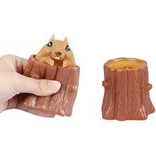 Squeeze esquilo copo de borracha brinquedo das crianças mal descompressão árvore coto carvalho bonito miniatura telescópica caneta titular jogo presente