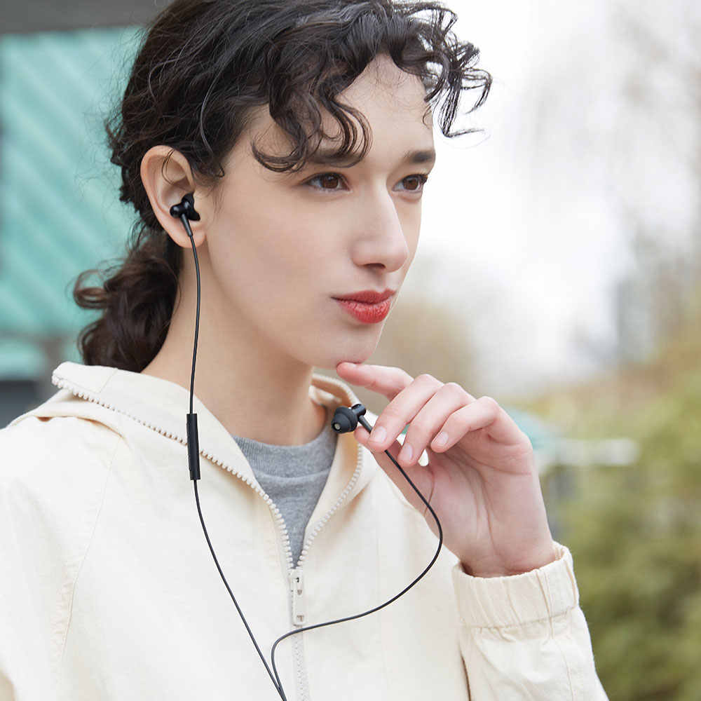 1 więcej E1025 stylowe, dwudynamiczne słuchawki douszne dla kierowców wygodne, lekkie słuchawki z 4 modne kolory izolacja akustyczna