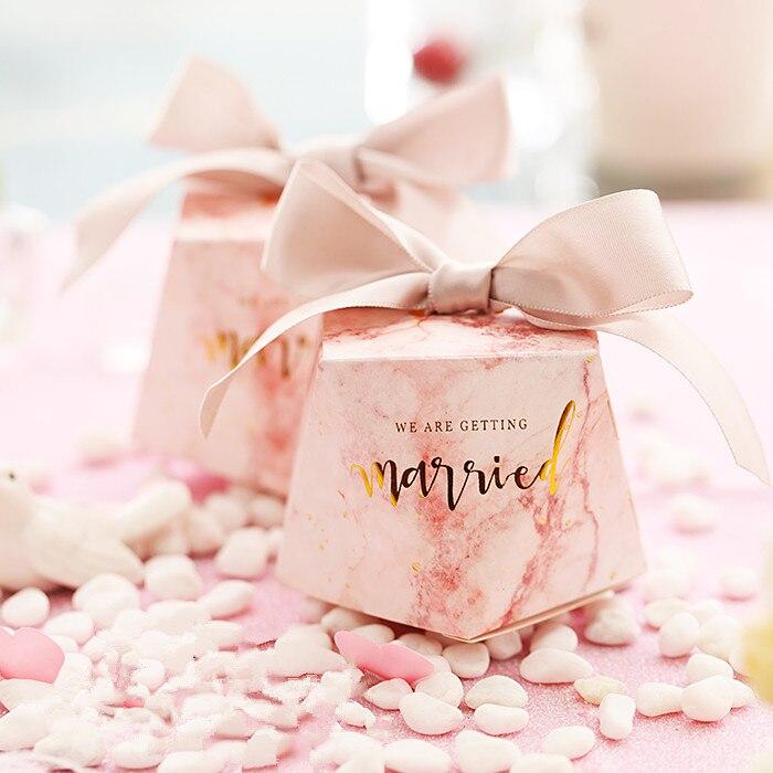 50pcs nouveau vert forêt style créatif marbrure mariage boîte-cadeau diamant forme boîte faveurs de mariage et cadeaux merci boîte-cadeau.