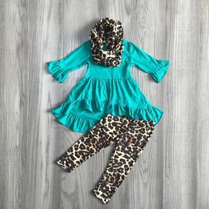 Image 3 - Mới Mùa Thu/Mùa Đông cho bé bé gái 3 miếng khăn trẻ em quần áo mù tạt da báo Đầm Top tay dài in trang phục xù boutique