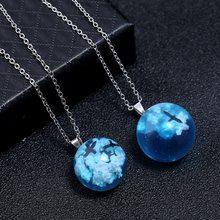 Collar con colgante de Luna y bola redonda de resina transparente para mujer, colgante de cristal con gradiente de pájaro y nubes de cielo azul, regalo de joyería