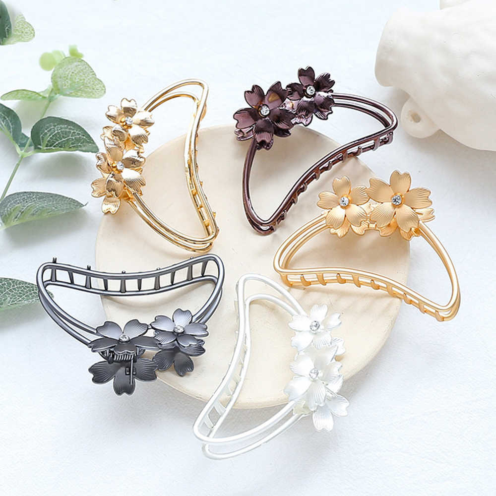 Fashion Women Simple Hollow Metal Flower Hair Claws Large Size Bathing Disk Hair Clips Hair Barrettes Hairpin Headwear Accessori