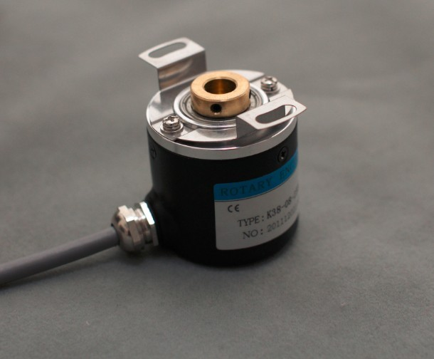 Hollow Shaft Photoelectric Rotary Encoder ZKP3808 2500 Pulse 2500 Line ABZ Three Phase 5-24V