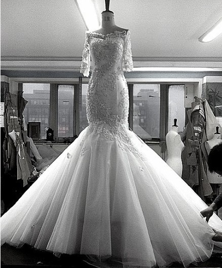 Boat Neck 2018 Fishtail Sexy See Through Back Half Sleeves Crystal Beaded Mermaid Lace Appliques Mother Of The Bride Dresses