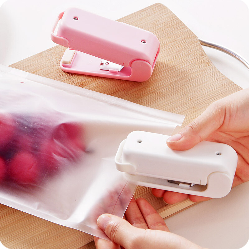 Electric Mini Household Hand Press Food Sealer Plastic Bag Packaging Machine Portable Magnetic Base Instant Heat Handy Sealing