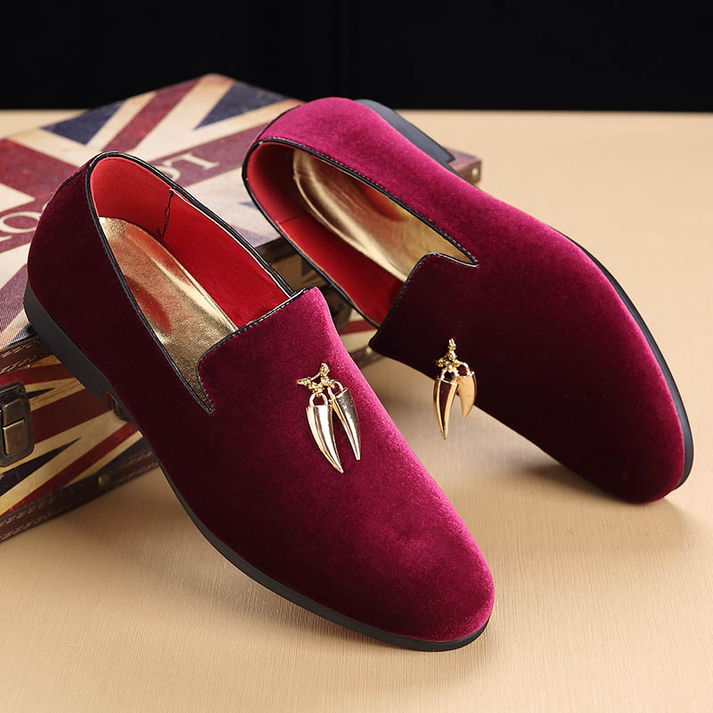 2020 Hot Sale Men Sickle Suede Casual Shoes Flat Slip-on Dress Shoes Large Size Pointed Toe Solid Color Wedding Loafers