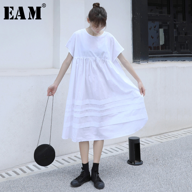 [EAM] Women Black Hollow Out Pleated Big Size Dress New Round Neck Short Sleeve Loose Fit Fashion Tide Spring Summer 2020 1N624