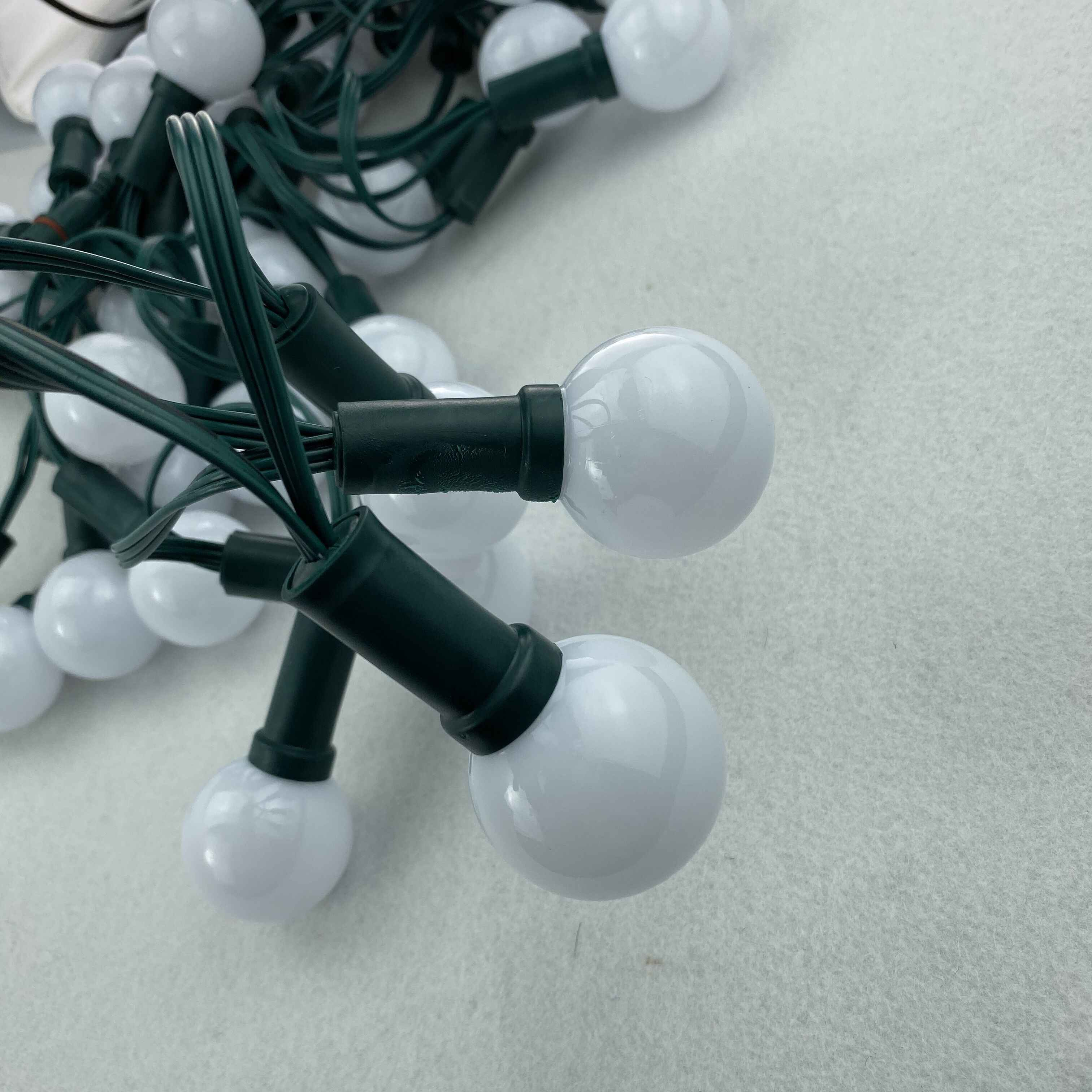 DC5V 50 düğümler adresli RGB G40 WS2811 LED noel piksel dizisi ışık; 6 inç (15 cm) tel aralığı; tüm yeşil tel; IP68