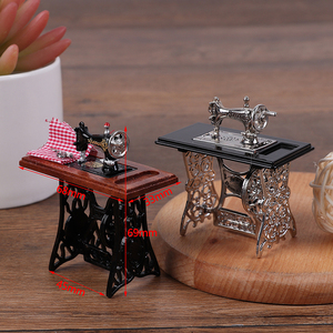 Kids Dollhouse Decor Miniature Furniture Wooden Sewing Machine with Thread Scissors Accessories for Dolls House Toys for Girls