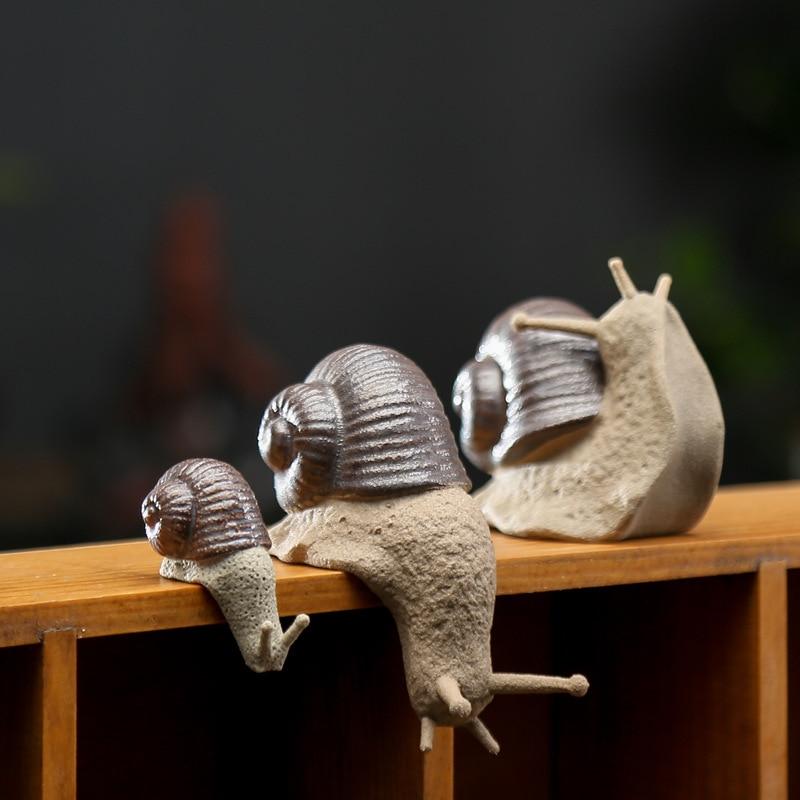 T Ceramic Small Snail Ornaments Bonsai Micro Landscape Home Decoration Accessories for Living Room Tea Pets Desk Decorations