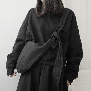 Image 1 - Lanmrem 2020 yamamoto estilo preto escuro único produto simples bolsa de ombro mensageiro cor sólida moda masculina e feminina 19b a242
