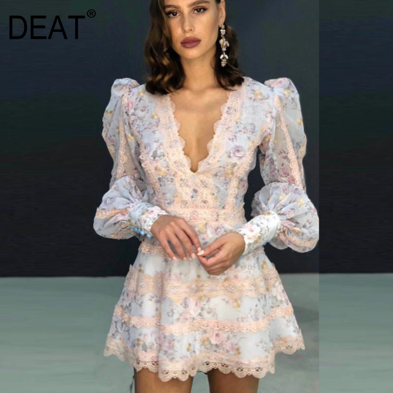 DEAT 2020 New Spring V-neck Lantern Sleeve Lace Splice Dress Women Vintage Slim  Print Sexy Temperament Dress Tide PD434