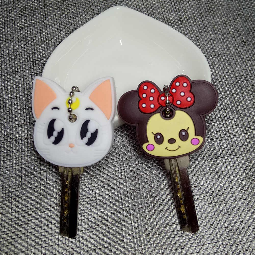 חמוד Cartoon אנימה Keychain חמוד סיליקון מיקי תפר דוב מפתח כיסוי כובע נשים מתנה ינשוף Porte מפתח Minne חתול מפתח שרשרת