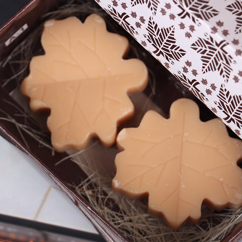 2Pcs Handmade Valentine Love Wedding Party Gift New Creative Maple Leaf Design Bath Soap Wedding Party Decoration