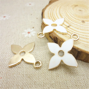 Image 1 - 200pcs 27*24*1.5mm oil drop alloy four leaf darts jewelry accessories DIY handmade accessories