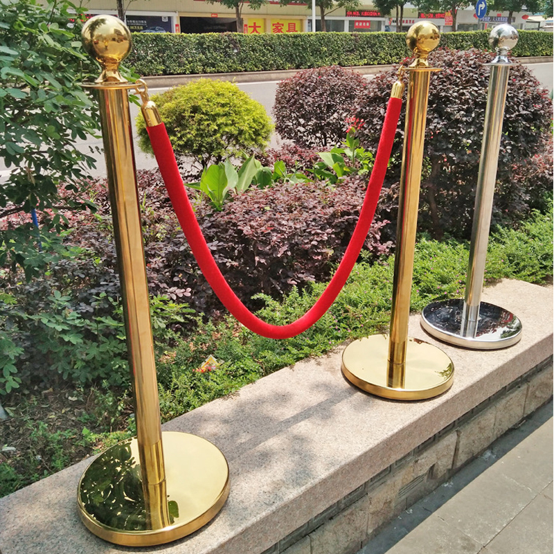 Red Carpet Rental Pole And Rope Barrier 1.5M Red Rope Red Velvet Rope Isolation Barrier Hotel Post Office Mall Concierge Belt
