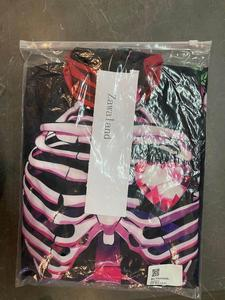 Image 1 - VIP Модный классический Карнавальный костюм для мужчин с черным принтом супергероя, карнавальный костюм на Хэллоуин, вечерние костюмы для косплея