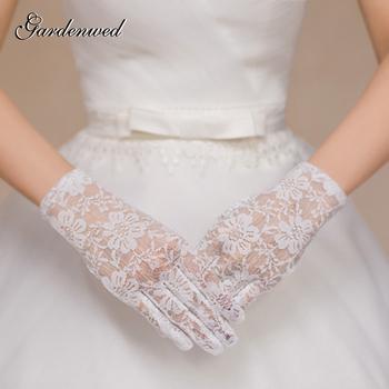 Gardenwed krótka koronkowa aplikacje rękawiczki ślubne 2020 pełne palce białe dodatki do sukni ślubnej tanie i dobre opinie COTTON POLIESTER Palec Jeden rozmiar DO NADGARSTKA WOMEN Dla osób dorosłych aplikacja ALA2020072501