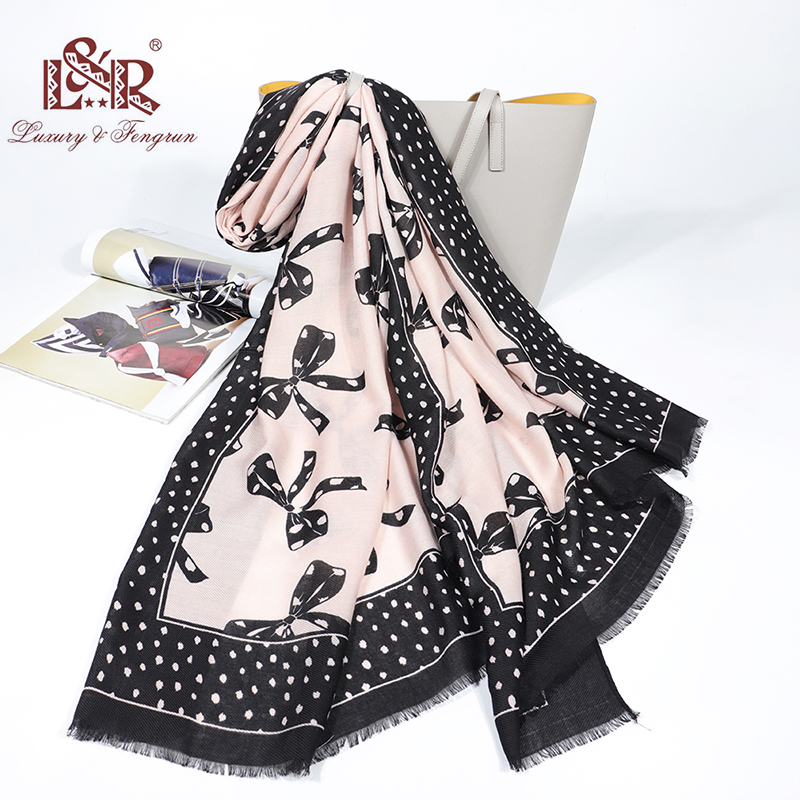 2020 Luxury Spring Foulard Femme SIlk Scarves Women Print Bow Cotton Women Shawl Scarf Foulard Dot Female Tippet Short Tassel