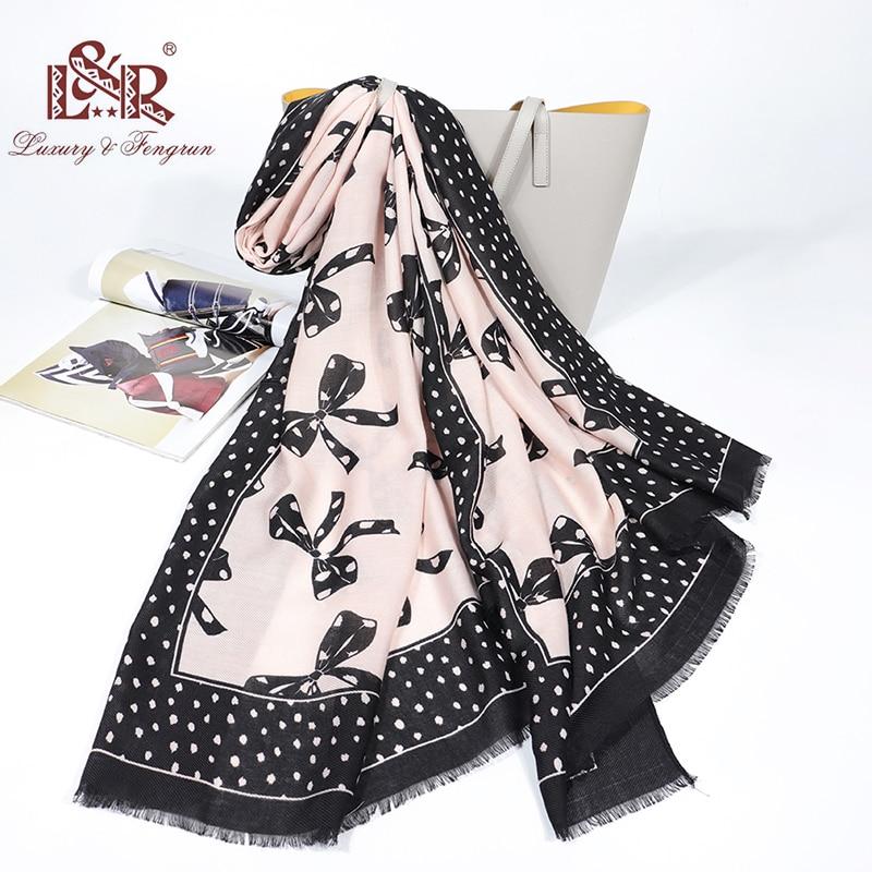 2020 Luxury Spring Foulard Femme SIlk Scarves Women Print Bow Cotton Women Shawl Scarf Foulard Dot Female Tippet Short Tassel