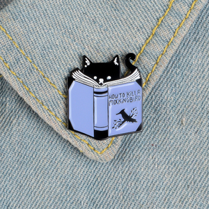 Книги влюбленных эмалированные булавки и броши мультфильм собака кошка животное чтение книжный червь значки Сплав булавка джинсовая рубашка одежда ювелирный подарок