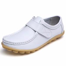 Oryginalne skórzane damskie płaskie buty wkładane mokasyny damskie oddychająca miękka buty pielęgniarskie białe rzepy obuwie trwałe Plus Size tanie tanio VEAMORS Buty łodzi Skóra Split RUBBER Hook loop Pasuje prawda na wymiar weź swój normalny rozmiar Na co dzień Płytkie