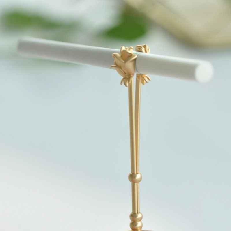 ヴィンテージタバコホルダーリングラックローズ金属指クリップ女性男性タバコ喫煙アクセサリー喫煙リングギフト