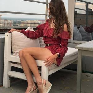 Image 3 - לפרוע קצר נשים סרבל פסים לבן ארוך שרוול כבוי כתף שחור Boho אדום ורוד קיץ סקסי חוף Rompers נשים סרבל