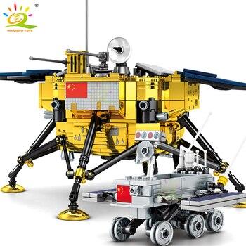 HUIQIBAO 702PCS Space Lunar Lander Probe Building Blocks City Patrol Vehicles Truck Astronaut Figures Bricks Toys For Children