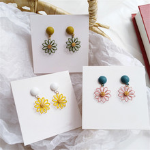 Vintage original Korea hollow-out frosted warm yellow geometric flower earrings femininity new