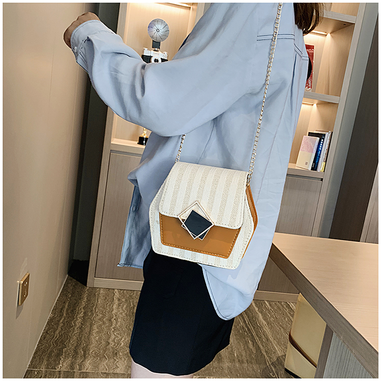 Mini Bag Girl 2019 New Korean Edition Fresh and Popular Fashion Chain PU Slant Bag Personal Bag Mobile Geometric Bag Clothes 94