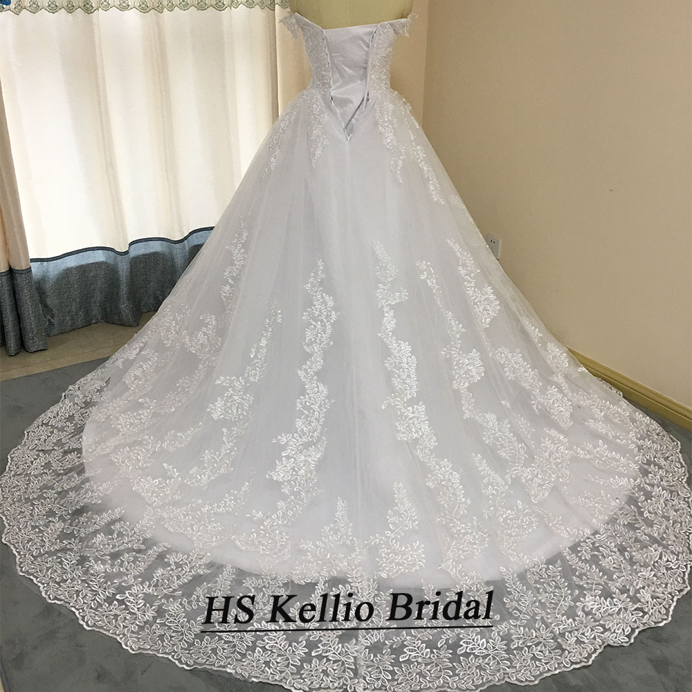 Image 2 - Wedding Dress Real Sample Lace Appliques Ball Gown Bridal Dress With 1 m Tail-in Wedding Dresses from Weddings & Events