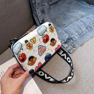 Luxury Wide Letter Strap Crossbody Bags Women Cartoon Printed Small Luggage Handbag Suitcase Shape Tote Mini Box Bag Clutch Bags