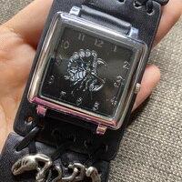 Reloj Hombre Einzigartige Design Skorpion Metall Dekoration Große Zifferblatt männer Military Uhr Schwarz Leder Quarz Sport Handgelenk Uhren