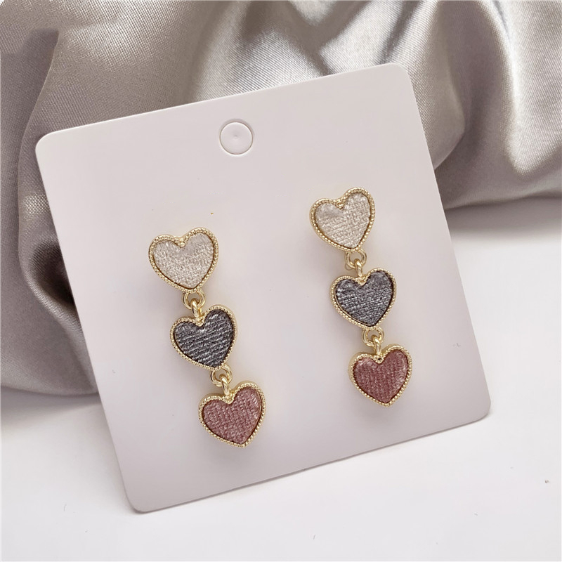 Korean Romantic Pink Contrast Color Frosted Heart Love Drop Pendent Earrings for Women Girls Lover Ear Jewelry Gift 2021 Trend