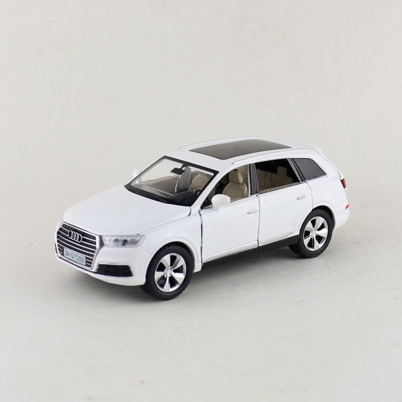 Free Shipping/Diecast Toy Model/1:32 Scale/Audi Q7 Sport SUV Car/Pull Back/Sound & Light/Educational Collection/Gift/Children image