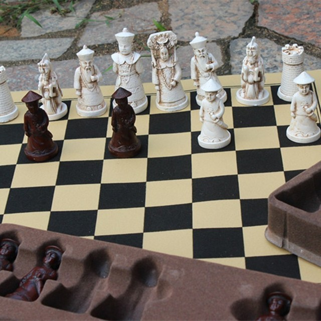 Ensemble d'échecs Antique en résine, grandes figurines en cuir, pièces de jeu de société, cadeaux d'anniversaire de noël pour parents et enfants 2