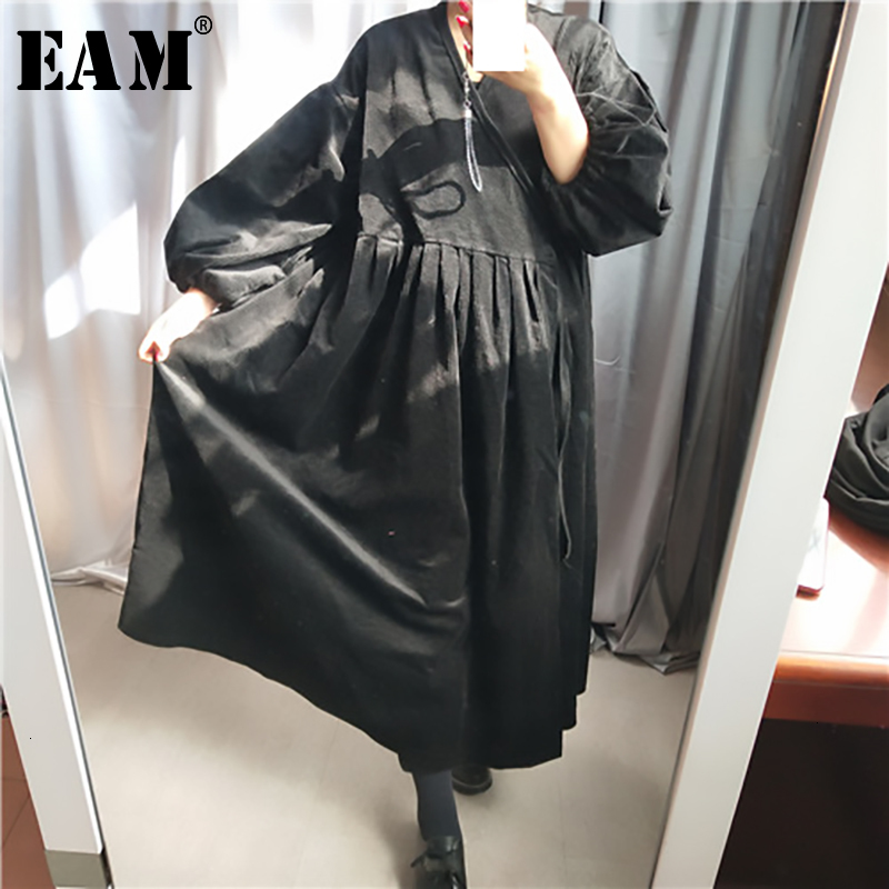 [EAM] Women  Pleated  Bandage Big Size Trench New V-collar Long Sleeve Loose Fit Windbreaker Fashion Autumn Winter 2019 1H619