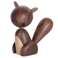 Botique Home Decor Scandinavian Danish Walnut Solid Wood Home Small Ornament, Large Tail Wooden Small Squirrel Crafts Gifts Wo