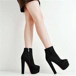 Image 2 - Onlymaker Frauen Plattform Runde Kappe Stiefeletten Stiefel Starke Absatz Schwarz Und Rot Seite Zip Damen Booties Plus Größe US5 ~ US15