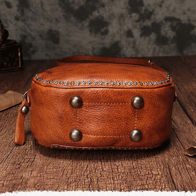 BJYL The first layer of leather handbags new leather rivet pouch retro bills shoulder slung small round bag female - 3
