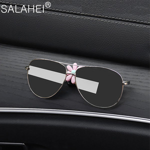 Image 2 - Car Hook Front Row Car Door Multi function Daisy Pattern Organizer Clip Invisible Small Hook Cartoon Cute Auto Goods Accessories