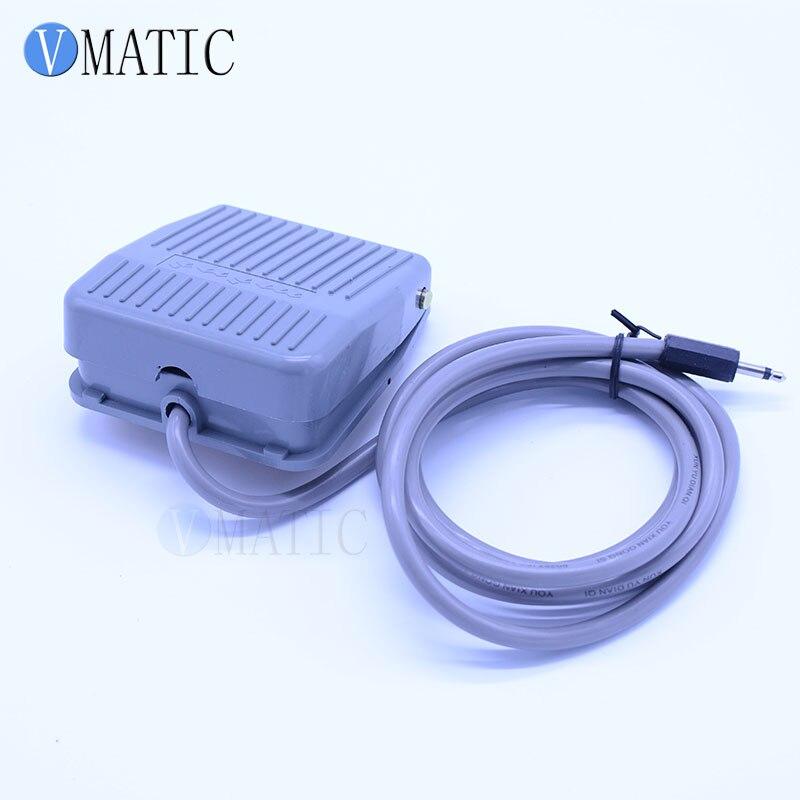 Купить с кэшбэком Free Shipping 220V Auto Glue Dispensing Solder Paste Liquid Controller Dropper YCC-986A Glue Dispensing Machine