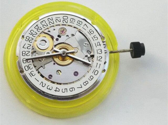 เทียนจิน Make Mechanical Autoamtic การเคลื่อนไหว CLONE ETA 2824 การเคลื่อนไหววันที่แสดงพอดีสำหรับนาฬิกาผู้ชายสีขาว 2824