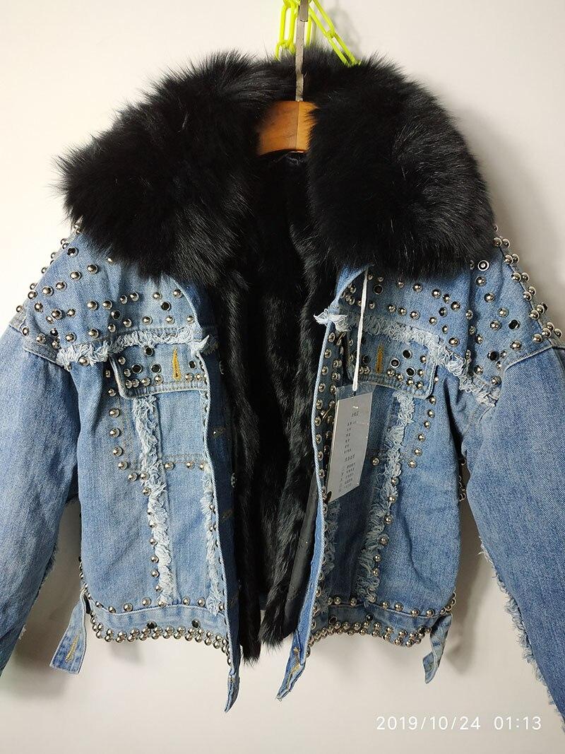 Новинка 2019 года; зимняя короткая джинсовая куртка в Корейском стиле, украшенная бусинами и заклепками, с отстегивающимся воротником из лись... - 5