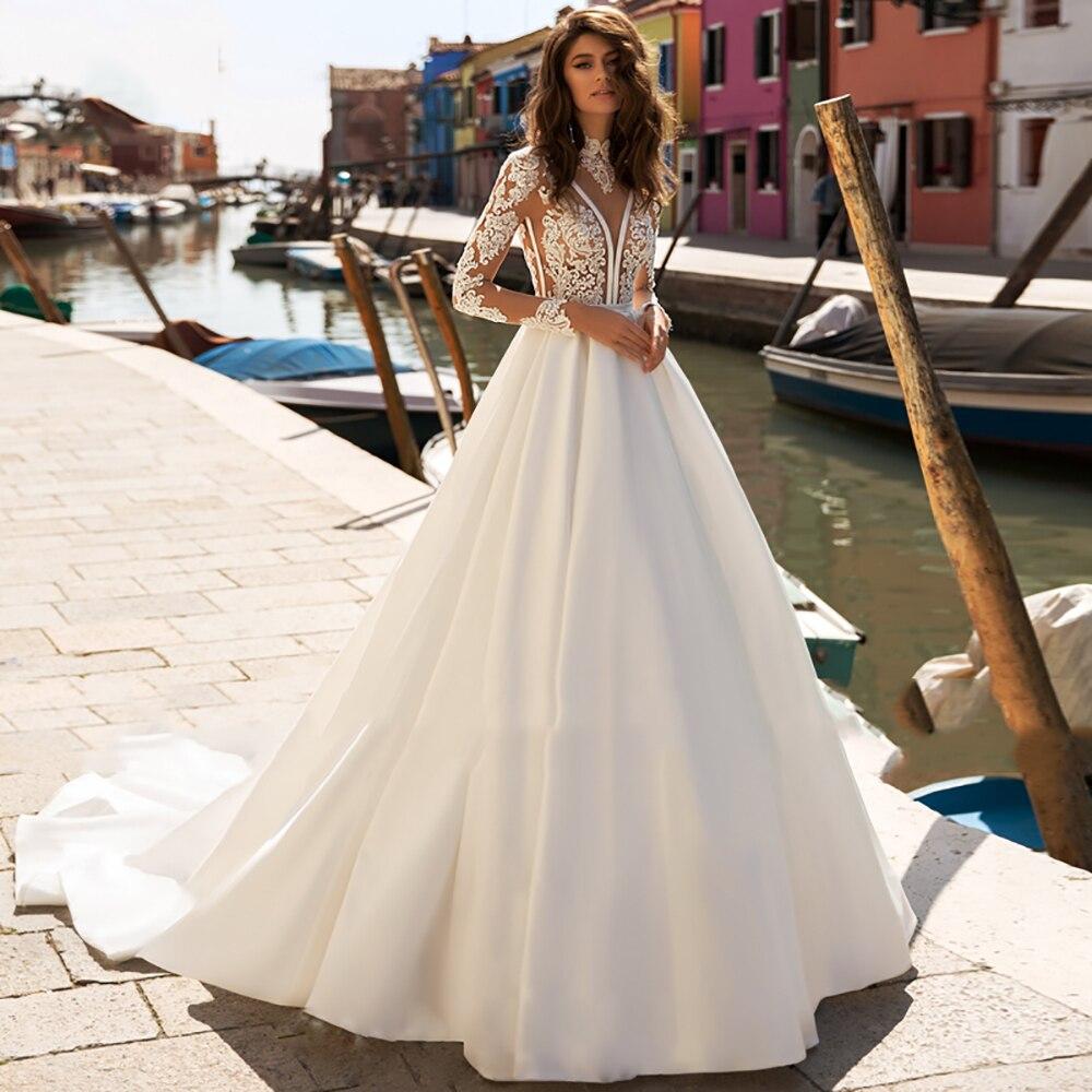 Eightree Vintage Princess Wedding Dress Lace Appliques Bride Dress Long Sleeves Satin Wedding Gowns V Neck Vestido De Noiva 2020