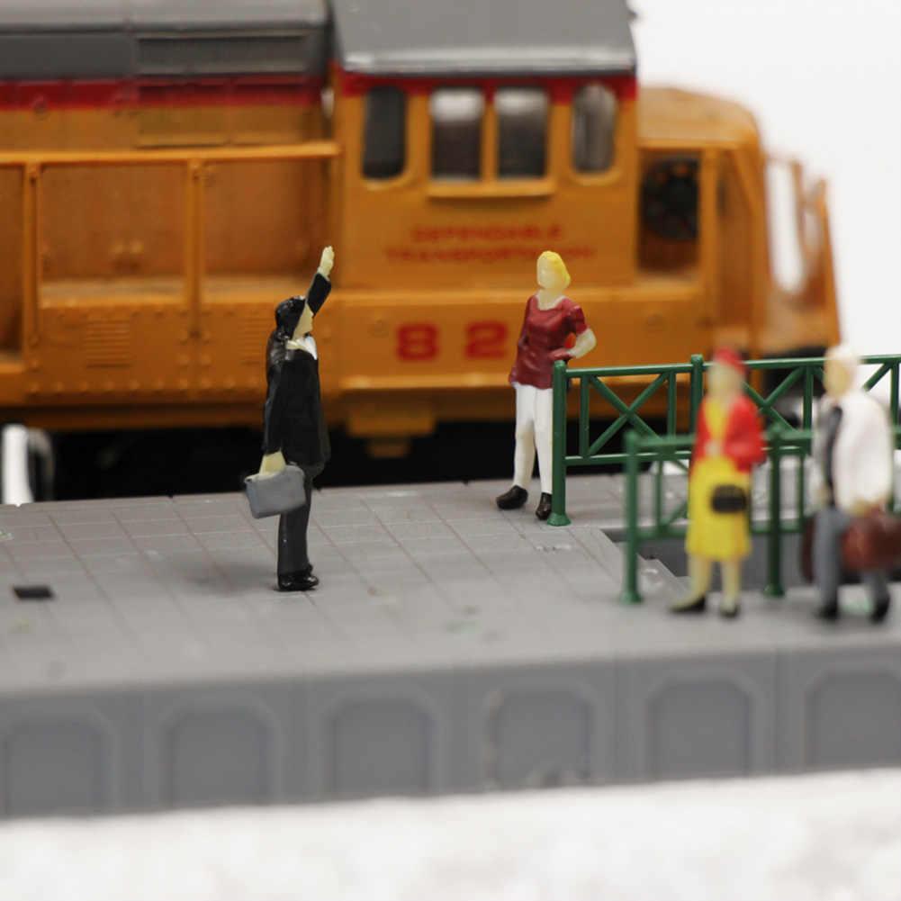 100 personnes debout assises peintes chiffres passagers train chemin de fer